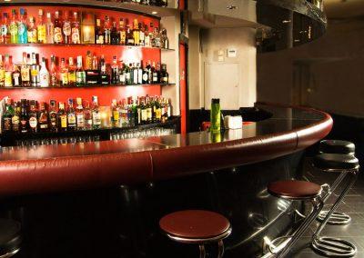 sala-privada-mueble-bar